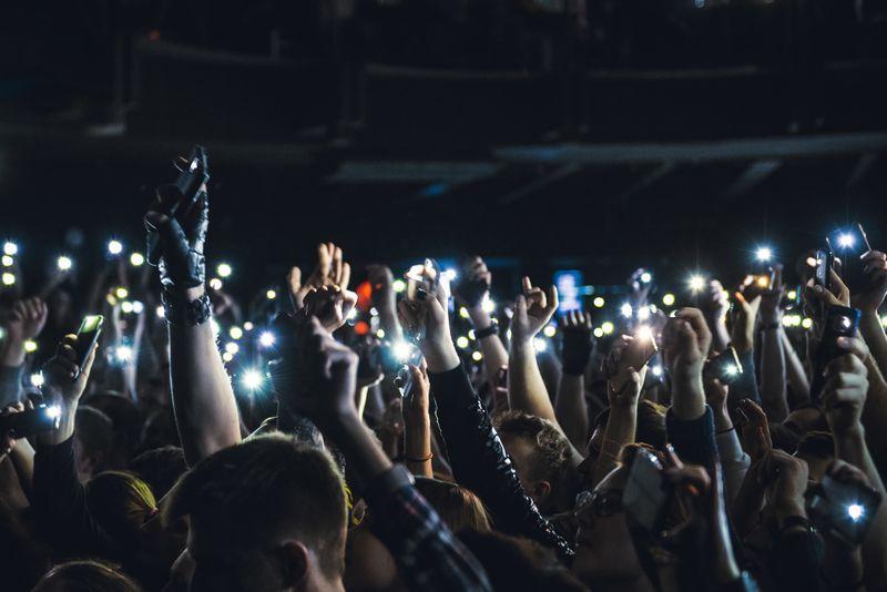 polemica de moviles conciertos 1