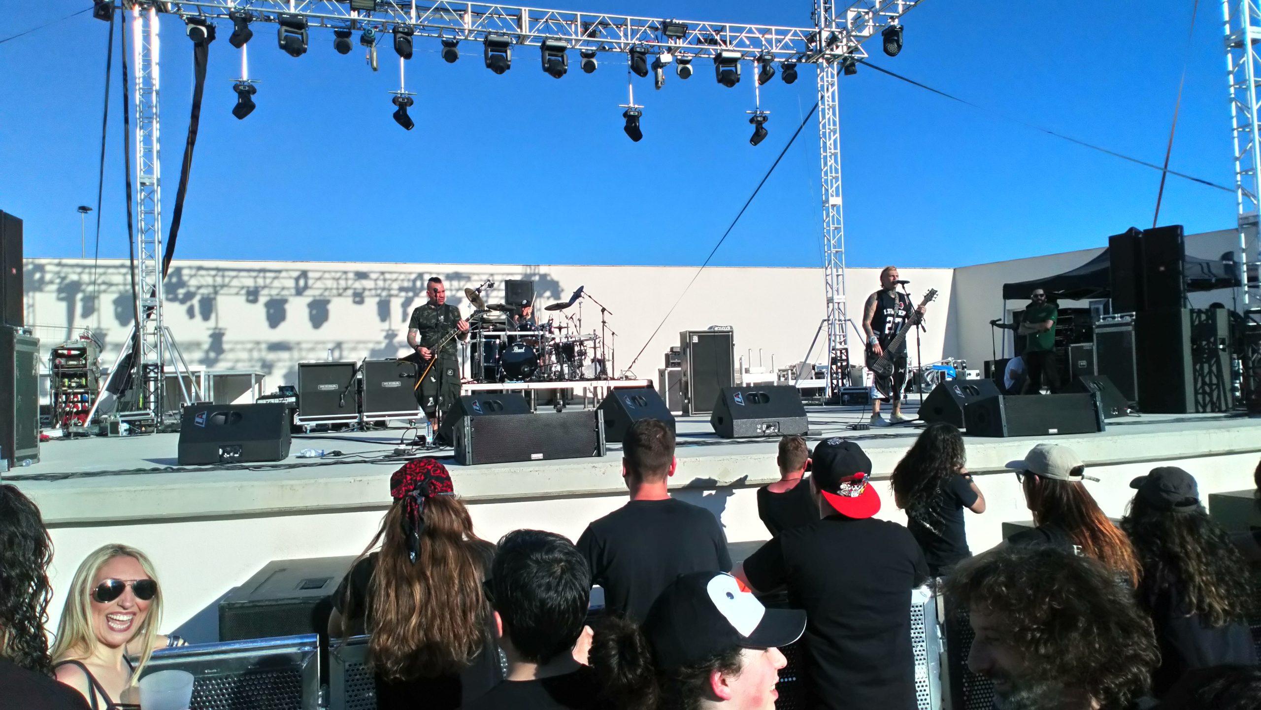 Z-LIVE-ROCK-FEST-animal-4