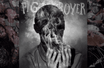 review-pig-destroy-head-cage
