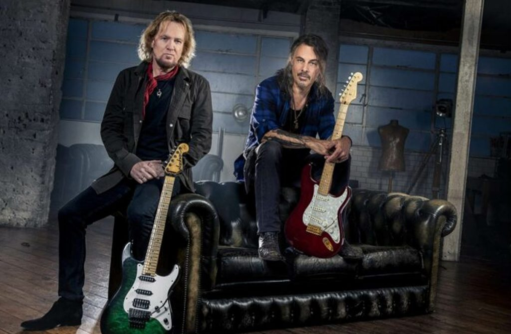 adrian-smith-y-kotzen